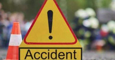 Accident cu trei autoturisme în Piatra Neamț. Un autoturism s-a răsturnat