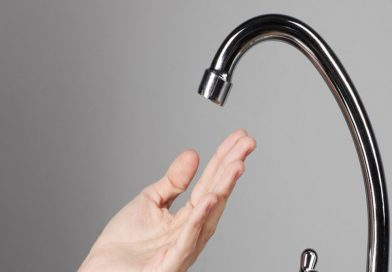 Bonificații tuturor consumatorilor afectați de întreruperea apei potabile din municipiul Roman