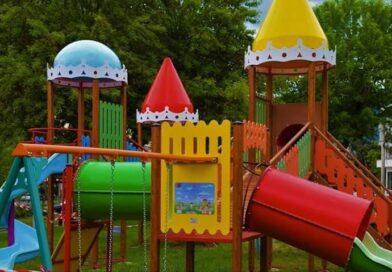 Se vor deschide parcurile de joacă