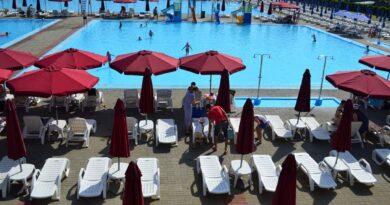S-a deschis zona de picnic și zona cu bazinele de înot în municipiul Roman