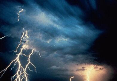 Comportament recomandat pe timp de furtună