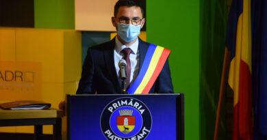 Andrei Carabelea a depus jurământul de primar al municipiului Piatra Neamț