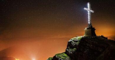 Crucea Eroilor de pe Muntele Caraiman – mărturia unui veac de istorie