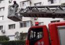 Bărbat găsit semiconștient în apartament, de pompierii care i-au intrat în casă pe geam