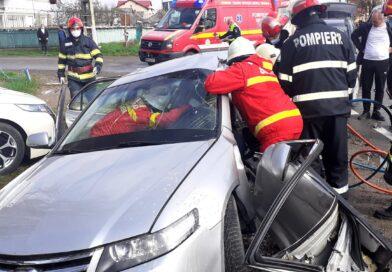 Victimă încarcerată în urma unui accident rutier în comuna Botești