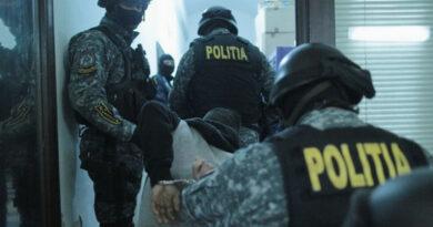 14 percheziții în Piatra Neamț. 10 persoane reținute