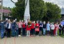 Polițiștii și copiii au depus flori la monumentul eroilor