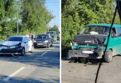 Imagini – Tamponare între trei mașini în comuna Bodești