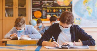 O școală din Neamț se află în scenariul galben